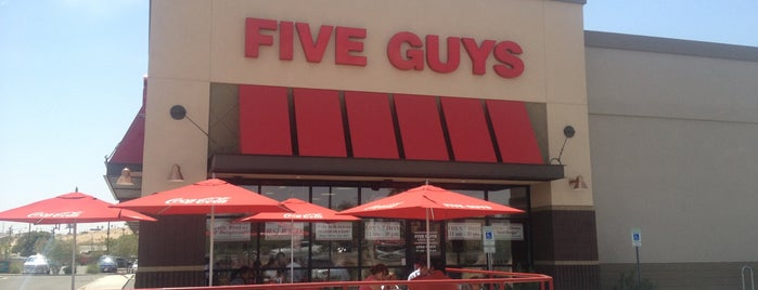 Five Guys is one of Locais curtidos por Bruno.