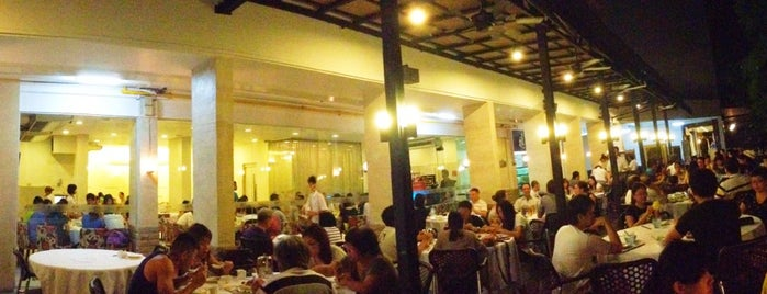 Chin Huat Live Seafood Restaurant 镇发活海鲜 is one of Project #2 singa.