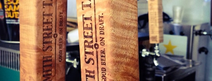 Smith Street Taps is one of Locais curtidos por Barry.