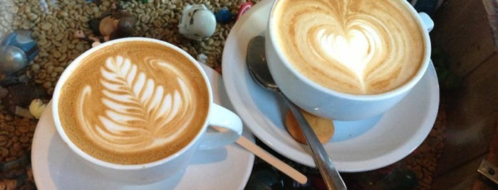 The Wormhole Coffee is one of Meet Your Match in CHI: Nature Lovers.