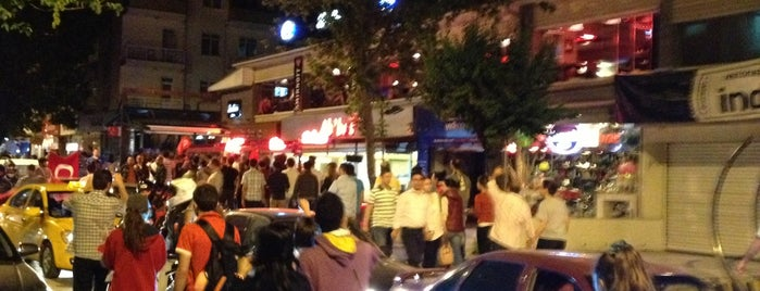 7. Cadde is one of Gece Hayatı.