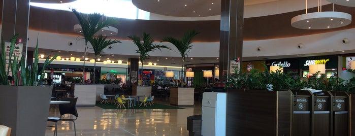 Buriti Shopping is one of Fernando'nun Beğendiği Mekanlar.