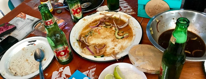 Rey Del Aguachile (Mariscos Co) is one of Jhalyvさんのお気に入りスポット.