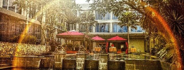 Pool Side Emersia Hotel & Resort is one of Foodie women.