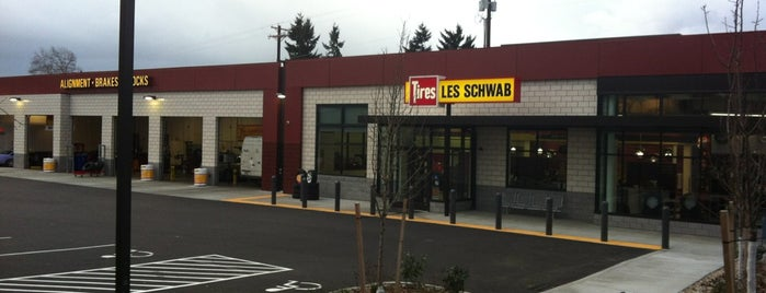 Les Schwab Tires is one of Susanさんのお気に入りスポット.