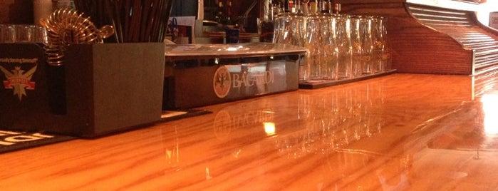 O'Brien's Sports Bar is one of Tempat yang Disukai Heidi.