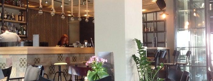 Bozar Cafe is one of Ifigenia: сохраненные места.