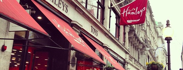 Hamleys is one of Londres / London.