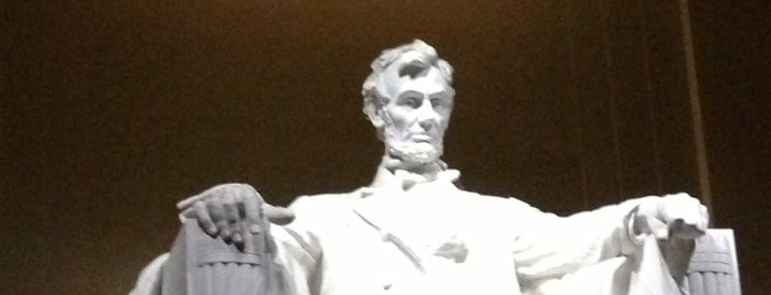 Lincoln Memorial is one of Washington DC 4th July.