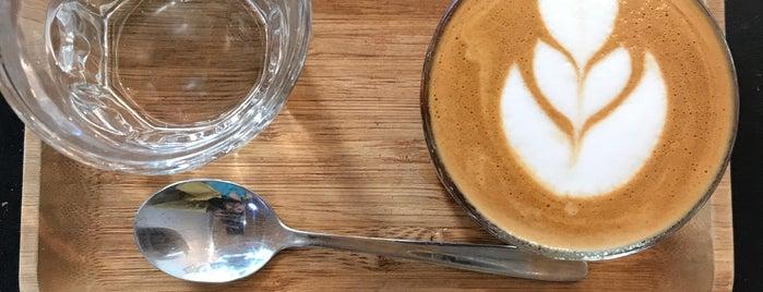 Bigi Coffee Bar is one of Best Santiago Coffee Shops.