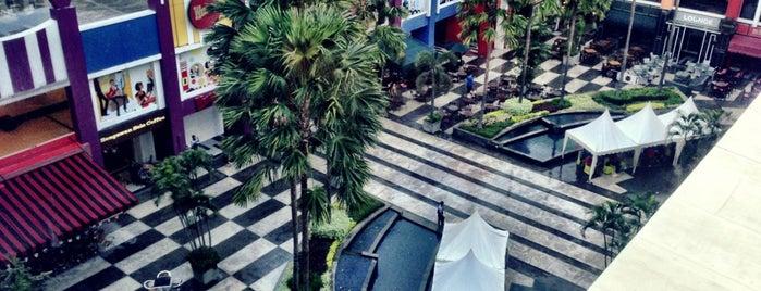 Surabaya Town Square (SUTOS) is one of Tempat yang Disukai Linda.