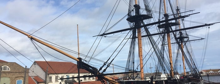 HMS Trincomalee is one of Carlさんのお気に入りスポット.
