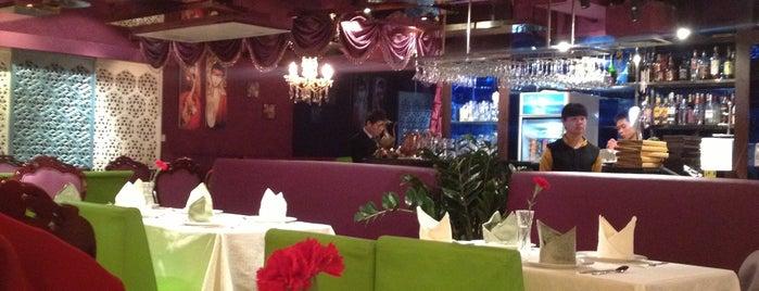Ganges Indian Restaurant is one of Fuat'ın Beğendiği Mekanlar.