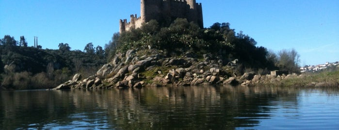 Castelo de Almourol is one of Lieux qui ont plu à Pedro.