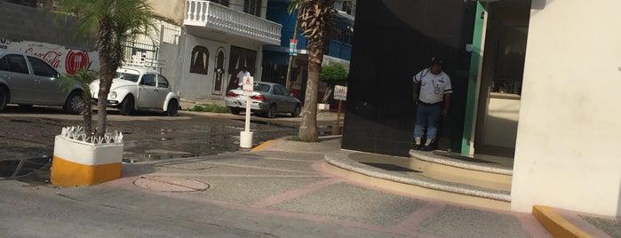 Hotel Nilo is one of สถานที่ที่ Adam ถูกใจ.