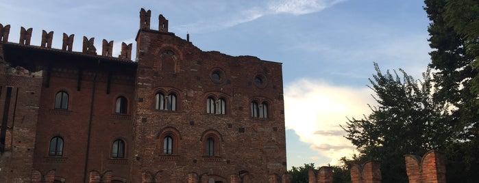 Castello di Carimate is one of Castelli Italiani.