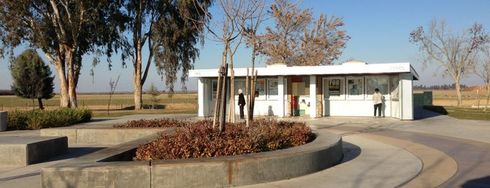 Buttonwillow Rest Area Northbound is one of Posti che sono piaciuti a G.D..
