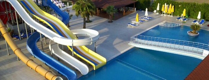 Casmin Hotel is one of MUZAFFER : понравившиеся места.