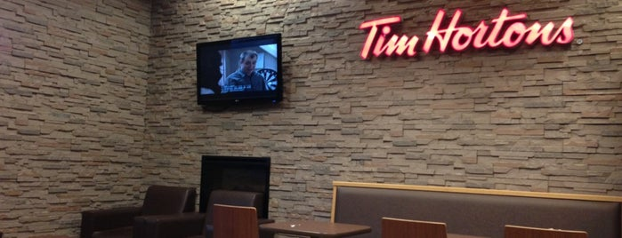 Tim Hortons is one of Tempat yang Disukai Kevin.