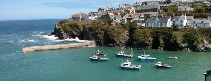 Port Isaac is one of England 1991.