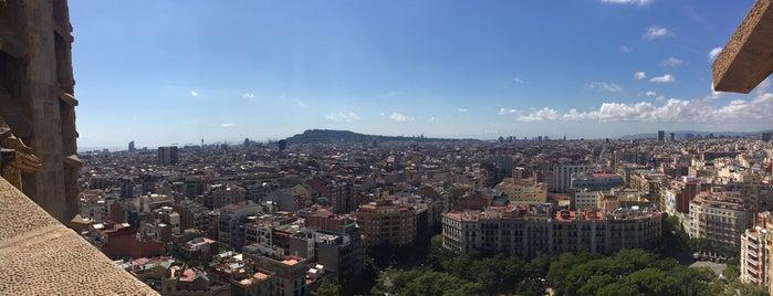 Sagrada Família is one of Roman'ın Beğendiği Mekanlar.
