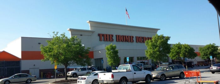 The Home Depot is one of Lugares favoritos de Dana.
