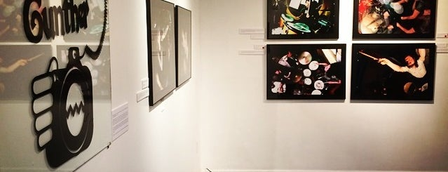 Make.shift Art Space is one of Lugares favoritos de Aaron.