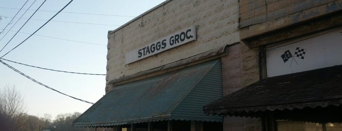 Stagg's Grocery is one of Yummies!!!.