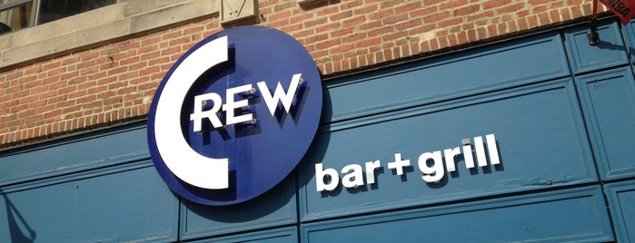 Crew Bar and Grill is one of Kirstinさんのお気に入りスポット.