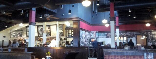Corner Bakery Cafe is one of Ray'ın Beğendiği Mekanlar.