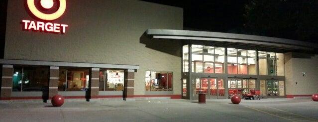Target is one of Lugares favoritos de Bob.