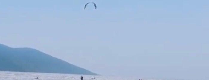 Akyaka Kitesurf Beach is one of Locais curtidos por Dilek.