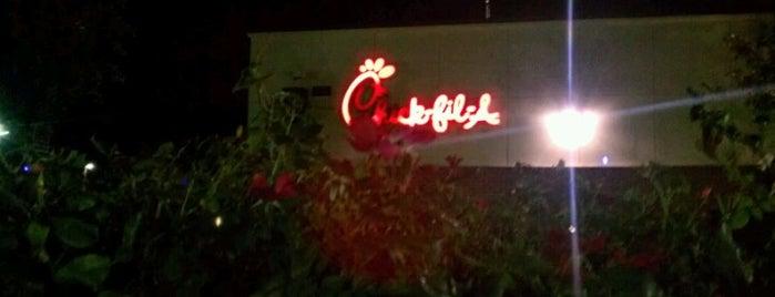 Chick-fil-A is one of Orte, die Angelle gefallen.