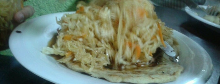 Pupusas 100% Salvadoreñas is one of Alejandro 님이 좋아한 장소.