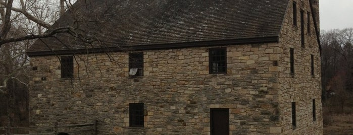 George Washington's Distillery & Gristmill is one of Washington.
