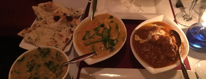 Friends Refined Indian Cuisine is one of Lugares favoritos de Dave.