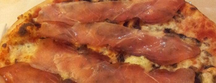 Pizzeria Lo Straniero is one of Locais curtidos por Alpcan.