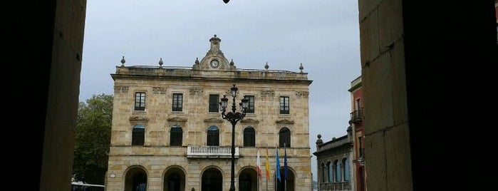 Ayuntamiento de Gijón is one of Orte, die Jonatan gefallen.