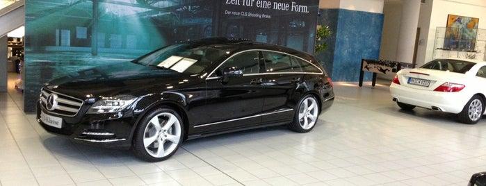 Mercedes - Benz is one of Orte, die LF gefallen.