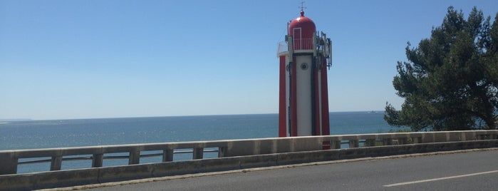 Farol de Gibalta is one of Faros.
