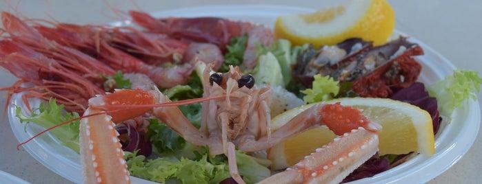 Lampara Pesce e Frutti di Mare is one of Irinaさんのお気に入りスポット.