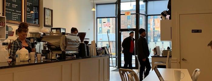 Standing Passengers Coffeehouse is one of Locais salvos de Neal.