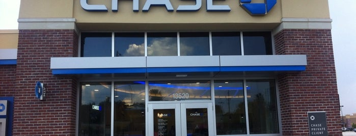 Chase Bank is one of Jacksonvilleさんの保存済みスポット.
