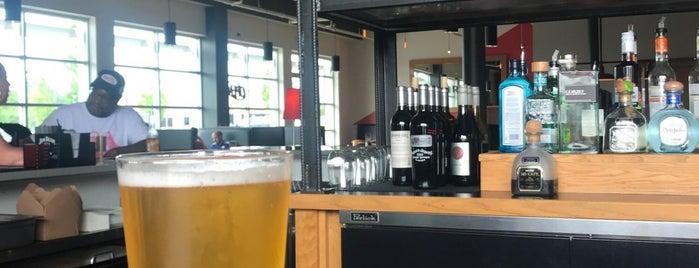 Fast Eddie's Kitchen & Bar is one of Locais curtidos por Daniel.