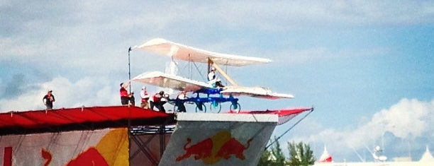 RedBull Flugtag is one of Lugares favoritos de Kevin.