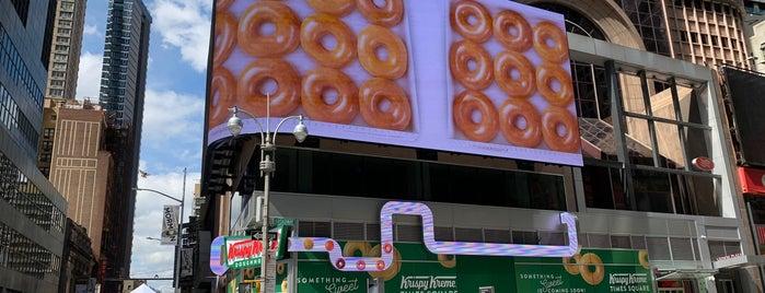 Krispy Kreme is one of IrmaZandlさんのお気に入りスポット.