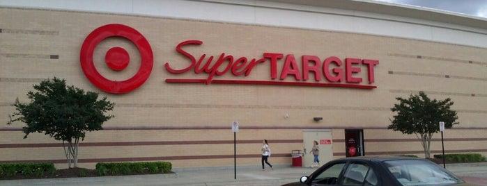 Target is one of Lugares favoritos de allie.