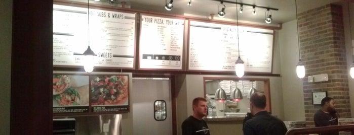 Enzo's Pizza Co is one of Raymond : понравившиеся места.