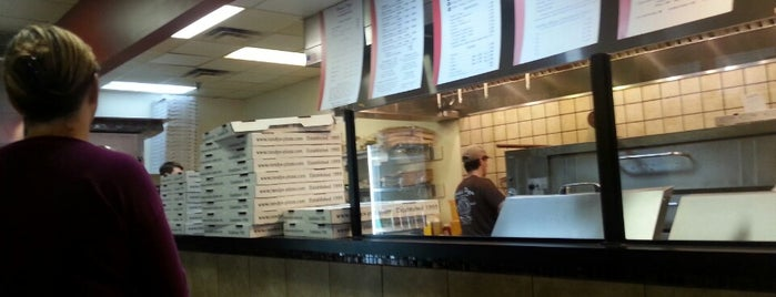 Randy's Pizza is one of Orte, die Brad gefallen.