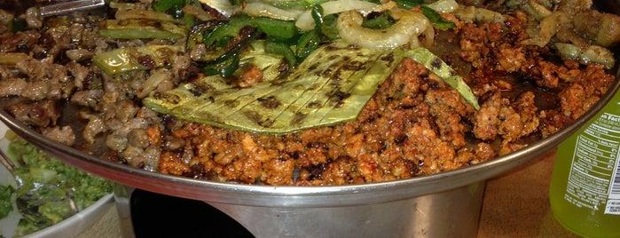 Mario's Tacos is one of Locais curtidos por Diego.